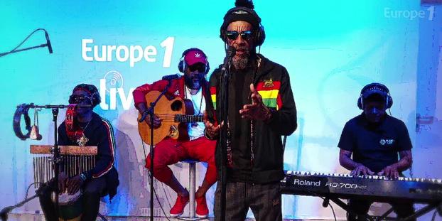 """VIDÉO - Inna de Yard chante en live """"If you love me"""" sur Europe 1"""