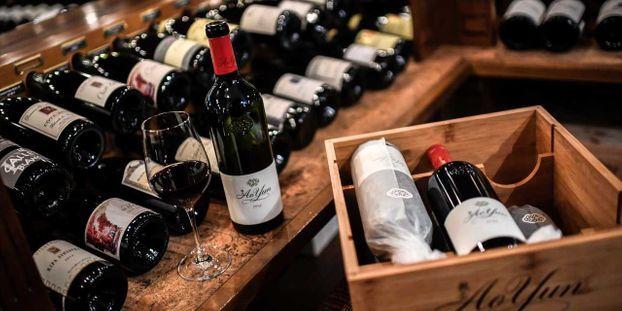 """Les taxes américaines sur le vin français entrent en vigueur : """"Il est certain que nous allons perdre des..."""