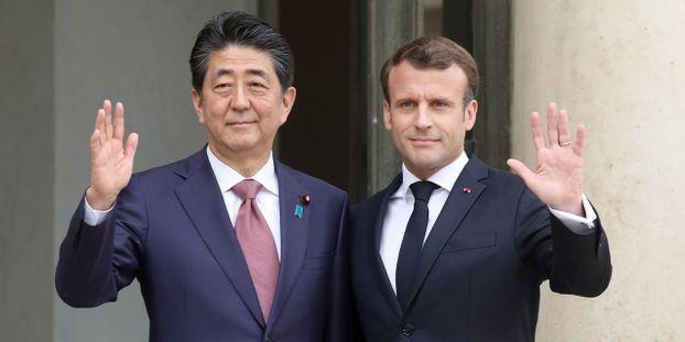 """Renault-Nissan : Emmanuel Macron et Shinzo Abe réaffirment leur """"attachement"""" à l'alliance"""