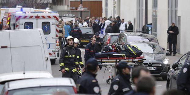 Attentat Contre Charlie Hebdo 12 Morts Dont 2 Policiers