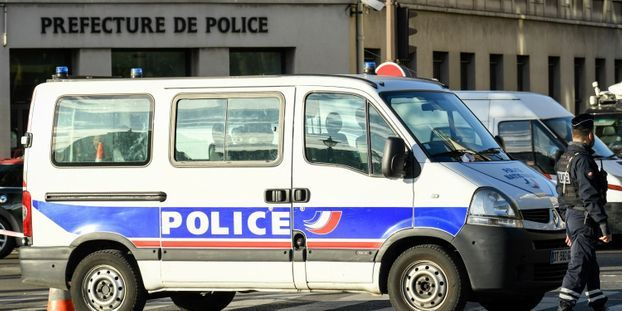 INFORMATION EUROPE 1 - Attaque à la Préfecture de police de Paris : 5 interpellations dans l'entourage du...