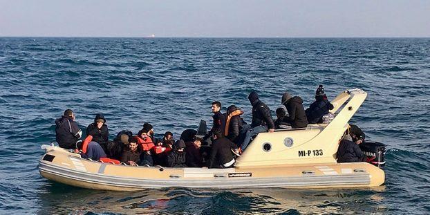 """Le nageur disparu dans la Manche dimanche est """"probablement"""" un migrant"""