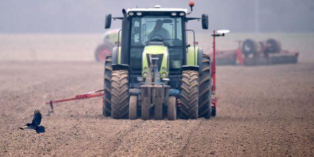 Loire-Atlantique : un bébé de 18 mois meurt en tombant du tracteur de son père