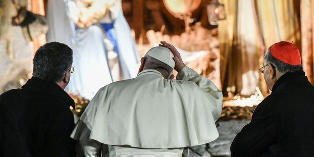 Crèche de Noël au Vatican : le pape François s'agace contre une fidèle