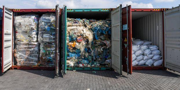 """""""Arrêtez de nous envoyer vos poubelles"""" : le coup de gueule de la ministre malaisienne de l'Environnement"""