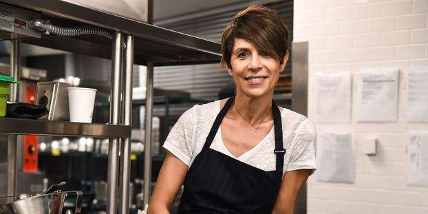 Dominique Crenn, première femme cheffe à obtenir trois étoiles Michelin aux Etats-Unis