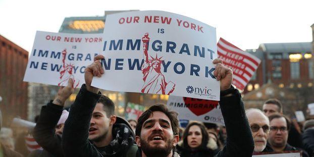 Hasil gambar untuk les immigres