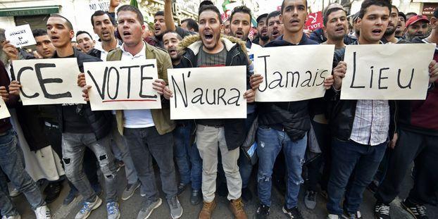 Foule exceptionnelle à Alger contre l'élection présidentielle, à quelques jours du scrutin