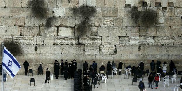 Israel Arrestation D Une Femme Nue Au Mur Des Lamentations A Jerusalem