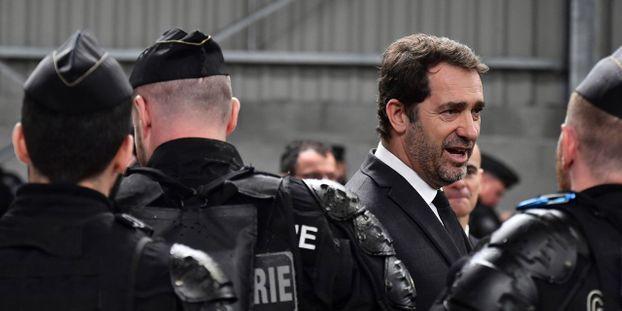 """Migrants : des gendarmes en renfort pour """"éviter de nouveaux drames"""" dans la Manche"""
