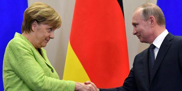"""Poutine et Merkel discutent d'une possible """"production conjointe de vaccins"""" Poutine-et-Merkel-discutent-d-une-possible-production-conjointe-de-vaccins"""