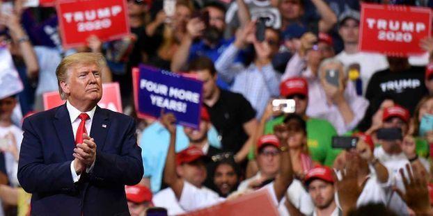 """Trump dit à des élues démocrates du Congrès de """"retourner"""" d'où elles viennent"""