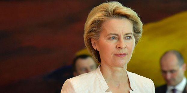"""Ursula Von der Leyen se déclare """"prête"""" à un nouveau report du Brexit"""