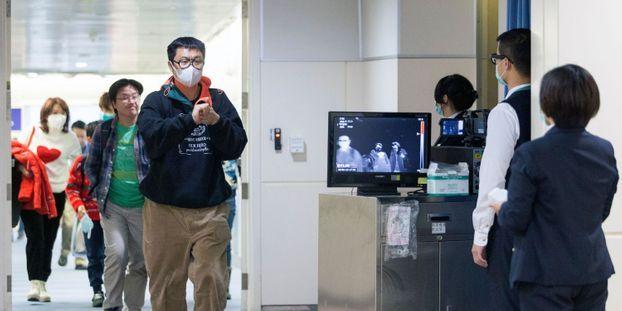 """Virus chinois : """"Il n'y a pas de mouvement de panique, mais on voit plus de masques"""", assure Jean-Pierre,..."""