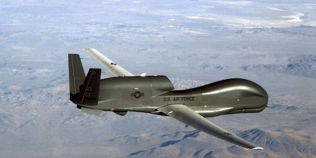 "Washington a pu abattre un de ses propres drones ""par erreur"", estime l'Iran"