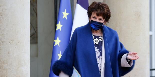 La ministre de la Culture Roselyne Bachelot a annoncé samedi sur Twitter qu'elle avait été testée positive au coronavirus.