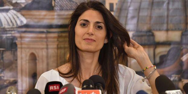 La maire de Rome, Virginia Raggi, a confondu dans une vidéo promotionnelle le Colisée et les arènes de Nîmes.