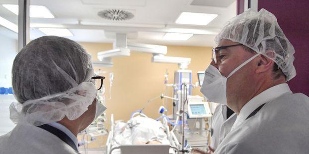 Jean Castex était en visite samedi à l'hôpital Édouard Herriot, à Lyon.
