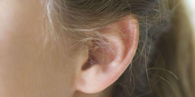 Le coton-tige n'est pas forcément la bonne solution pour se laver l'oreille.