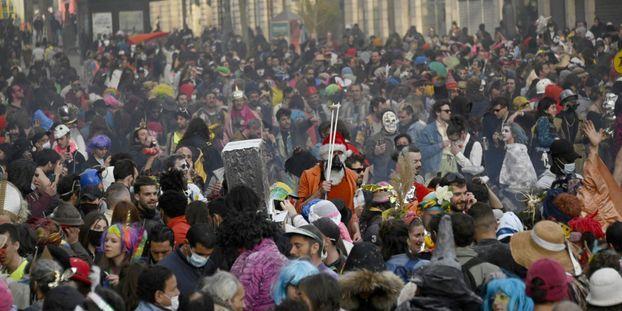 Environ 6.500 personnes ont participé à ce carnaval dans le centre de Marseille.