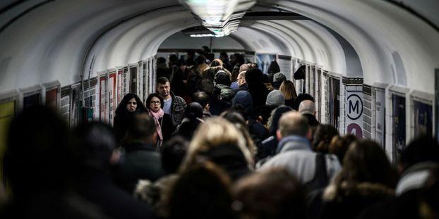 """Grève dans les transports : """"Ça montre qui souffre le plus : ceux qui doivent aller travailler"""", affirme le..."""