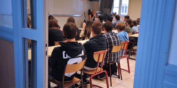 Coup de folie au lycée : un professeur séquestre une vingtaine d'élèves dans sa classe