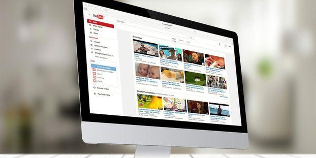 Les réseaux sociaux et certaines plateformes vidéos, notamment YouTube, sont devenus des terrains de ralliement pour de nombreux gourous. (Image d'illustration)