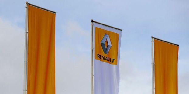 Il Affirme Que Sa Voiture A Demarre Toute Seule Et Poursuit Renault