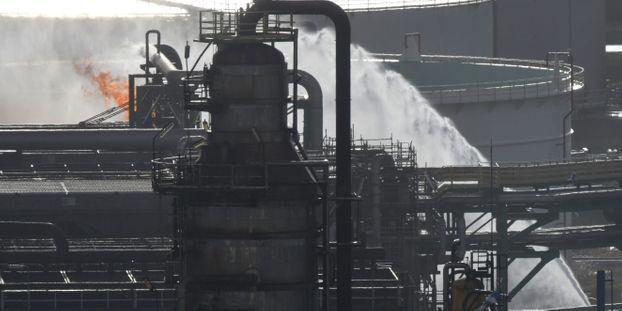"""Incendie dans une raffinerie : """"La situation a très vite été sous contrôle"""", assure le maire du Havre"""