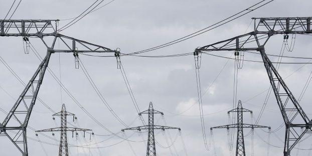 Intempéries : encore 60.000 foyers privés d'électricité