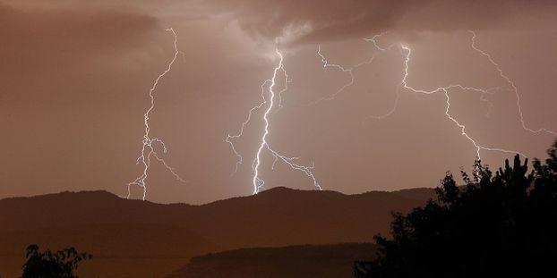Intempéries   une grande partie de la France encore menacée par les orages bd5634b6e141