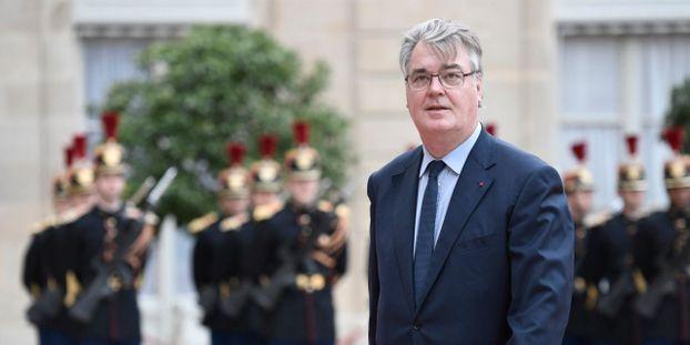 """Jean-Paul Delevoye épinglé pour un """"oubli"""" dans sa déclaration d'intérêts"""