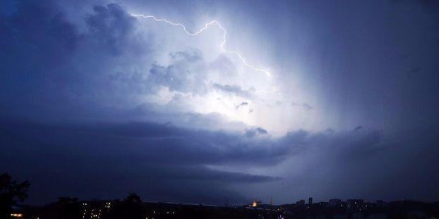 La météo de samedi : temps lourd et parfois orageux sur une grande partie  du pays
