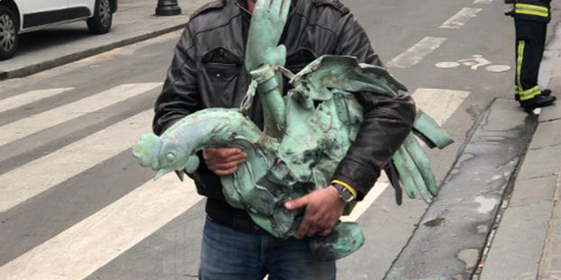 News au 16 avril 2019 Le-coq-de-la-fleche-de-Notre-Dame-de-Paris-retrouve
