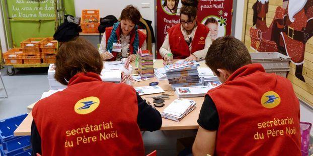 Le Pere Noel Repond Au Lettre.Le Pere Noel Ouvre Lundi Son Secretariat Pour Repondre Aux