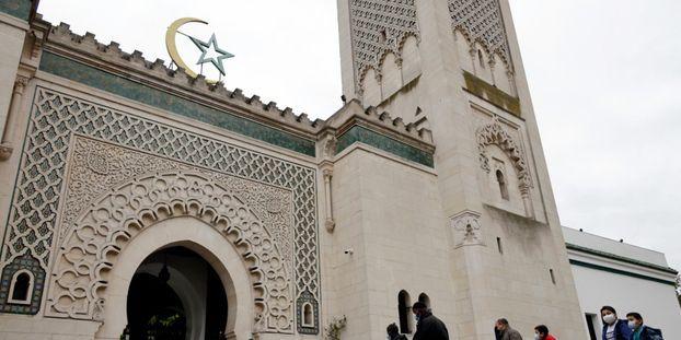 La Grande Mosquée de Paris a confirmé que le mois de ramadan commencerait mardi en France.
