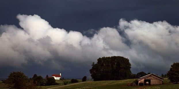 Le temps mardi : plutôt ensoleillé sur le Nord-Ouest, de la pluie vers le Sud