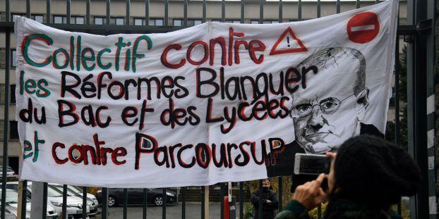 """Les professeurs se mobilisent contre la réforme du bac : """"On appelle à la grève contre ce simulacre..."""