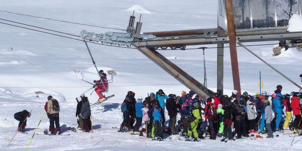Ski : en grève, les saisonniers veulent perturber les remontées mécaniques