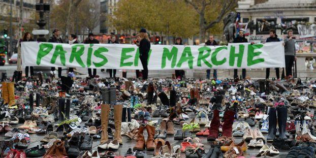 1d65e0df2da43f Paris en marche : des milliers de chaussures place de la République