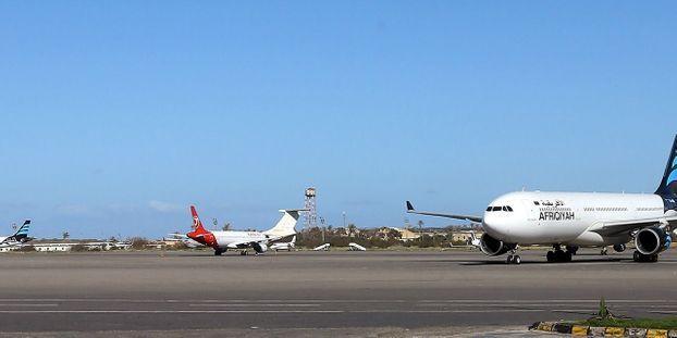 Retraites : les compagnies aériennes appelées à réduire leur programme de vols de 20% mardi