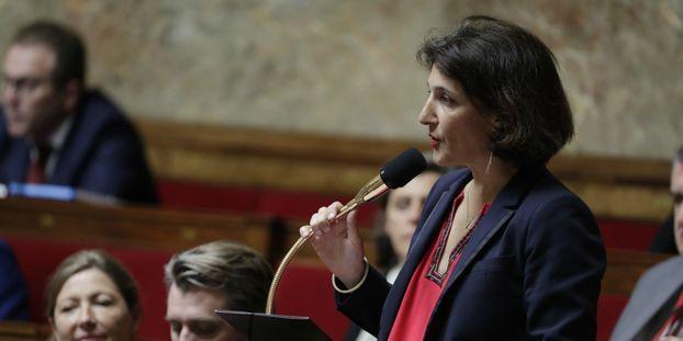 """Réunion publique perturbée par des grévistes : une députée dénonce """"des pratiques déplorables"""""""