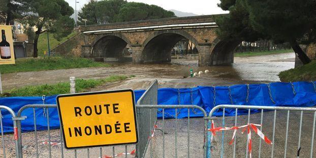 """""""On a déjà vu des tempêtes, mais pas à ce point-là"""" : à Argelès-sur-Mer, les habitants s'organisent..."""