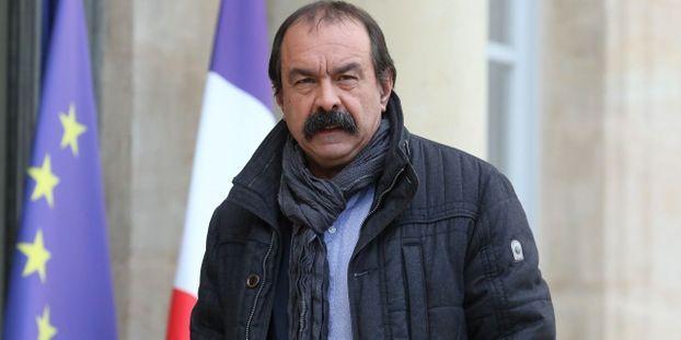 """Trains à Noël : """"si le gouvernement retire son projet"""", alors """"tout se passera bien"""", déclare Philippe..."""