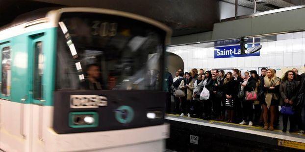 """Un conducteur de métro non-gréviste témoigne : """"On nous fera la misère si on vient travailler"""""""