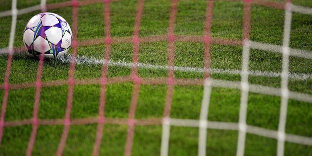 Laval : un match de football féminin interrompu pour laisser jouer les garçons