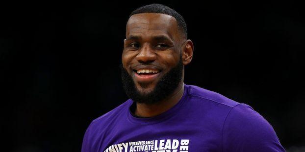 47efcd2e2b887 Basket-NBA : LeBron James avec Kyrie Irving et Anthony Davis au All Star  Game