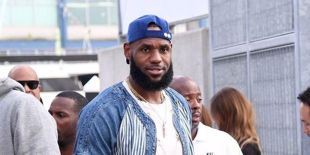 code promo 0296a 1d999 LeBron James reste le joueur le mieux payé de la NBA