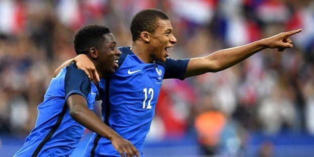 Football Equipe De France Mbappe Et Fekir Dans La Liste Pour Les