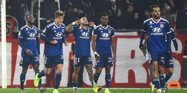 Ligue 1 : Lyon écrase Nîmes, Lille enchaîne contre Brest